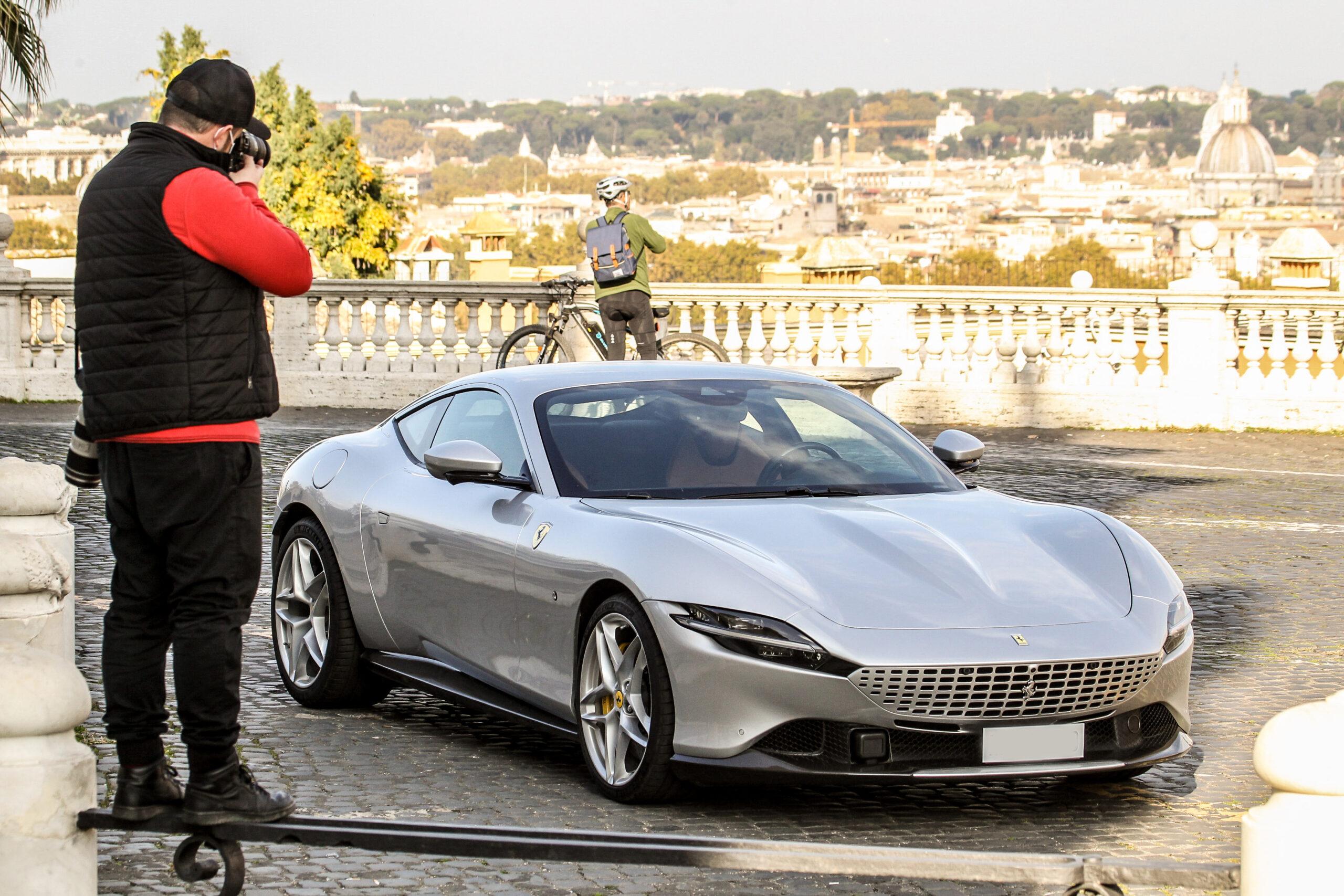 Come comprare azioni Ferrari in Italia: borsa italiana: quotazione grafico previsioni [2021]